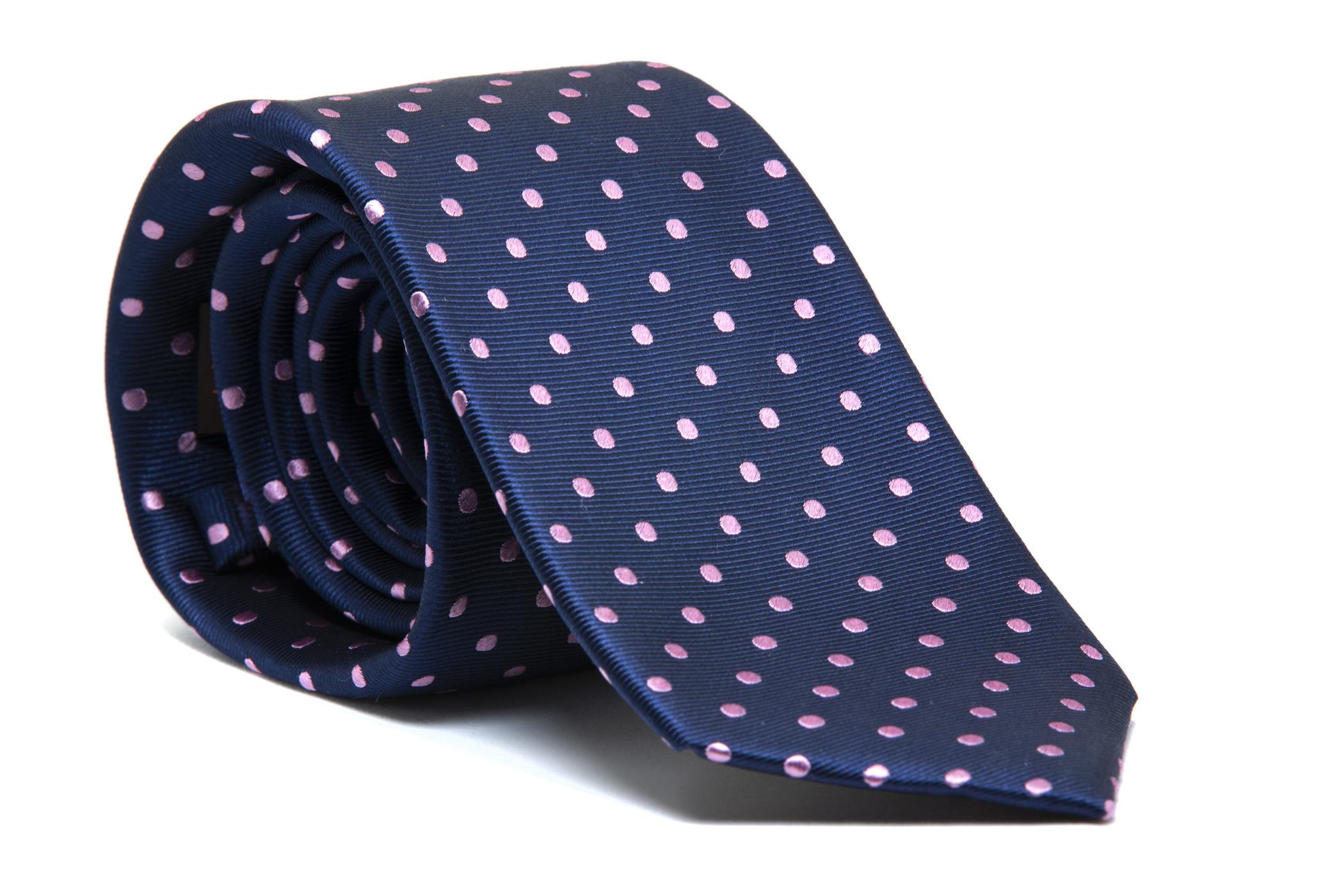 Corbata azul marino topos rosas